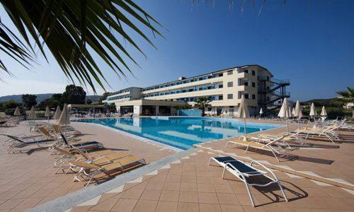 costa-dello-jonio-marina-di-mandatoriccio-piscina-2